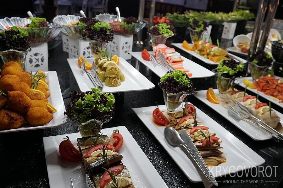 Овощи в отеле