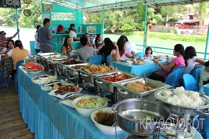 Обед на острове Бохол