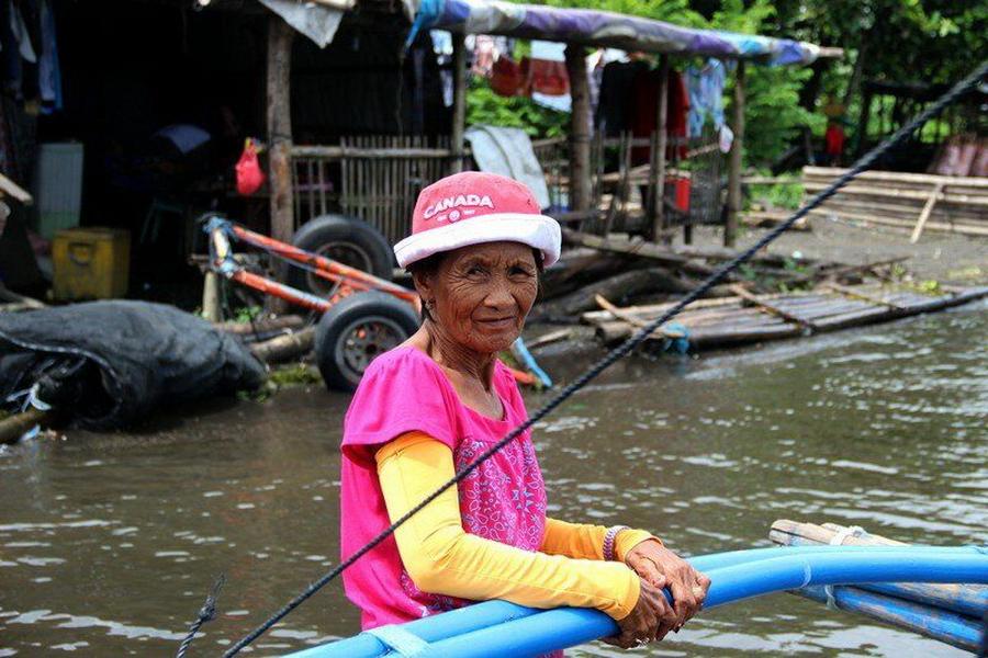 Старушка филиппинка