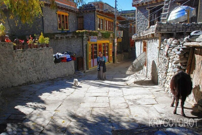 На улице Джомсома в Непале